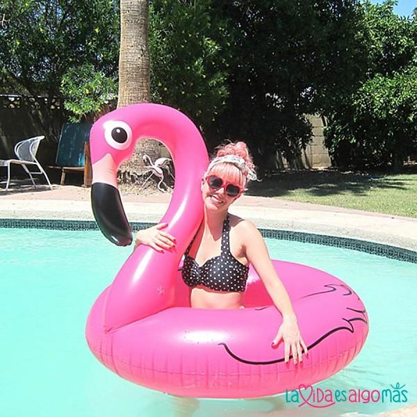 flotador gigante de flamenco rosa